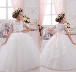 Wholesale Cute Crystal Ball - Crystal Toddler Cute Flower Gril Dresses Bow Tulle Lace Sash Ball Gown First Communion Dresses Little Kids Short Sleeves