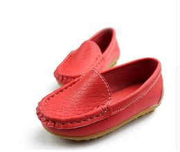 Wholesale Little Girls Red Shoes - New Boys Girls Soft Leather Loafer Children Shoes Breathable Sneakers For Kids Flats With Running Shoes Toddler Little Big Kid