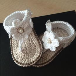 Canada Bébé fille au crochet chaussures robe blanche de fleurs Mary Jane chaussures de coton 0-12 M Offre