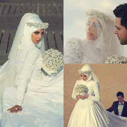 Wholesale Hijab Wedding Dresses Plus Size - 2018 New Romantic High Neck Long Sleeves Arabic Hijab Muslim Wedding Dresses with Beaded Pearls Custom Made Appliques Lace Bridal Gowns