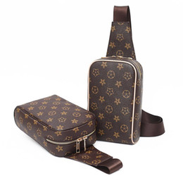 Wholesale pvc cross - Designer Women Men Bag Luxury Handbag Famous Brand Pattern Shoulder Bags New Fashion Bags Ladies Messenger Handbag Printing Bag