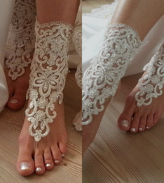 Wholesale Flat Ivory Sandals - Romantic Beach Weddings Shoes Delicate Lace Applqiues Sequins Open Toe Ankle Flat Bridal Shoe For Summer