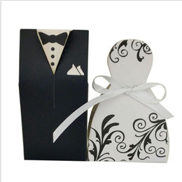 Wholesale Dress Candy Box Favor - Small Gift Bags Lots Paper White Black Bride Groom Dress Wedding Favours Free Shiping Candy Holder Boxes