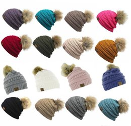 Wholesale Black Purple Fedora Hats - Unisex CC Trendy Hats Winter Knitted Fur Poms Beanie Label Fedora Luxury Cable Slouchy Skull Caps Fashion Leisure Beanie Outdoor Hats F898-1