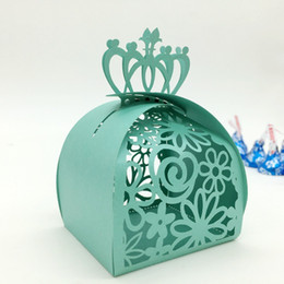 crown packaging Promo Codes - Hot Selling Wedding Favor Boxes Multi Color Laser Cut Hollow Crown and Flora Party Candy Package European Fashion Design Dropship