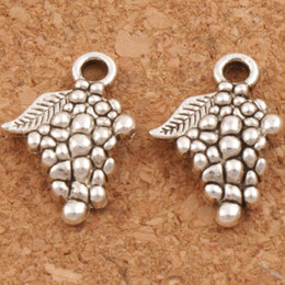 Wholesale Grapes Charms - Grape Fruit Charms Pendants 200pcs lot 18x12.8mm Antique Silver Jewelry DIY L363 Jewelry Findings & Components