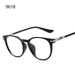 2016 Mode ronde lentille claire lunettes femmes montures optiques marque  design vintage hommes lunettes monture Corée style gafas de sol 361c53583faf