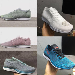 Wholesale Top Quality Men Women Casual Racer Blueberry Pistachio Lavender Running Shoes Lightweight Breathable Walking Sports Shoes Sneake