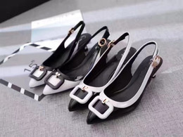 Wholesale Empty Dresses - The New Spring 2017 Luxury Brands Women Color Matching Water Chestnut With Sandals After The Empty Sandals High Quality Women Sandals