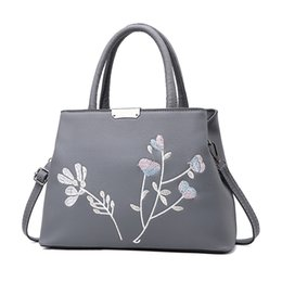 Wholesale Leather Messenger Bag Discount - 2017 new style bag female sweet Korean version of the fashionable handbag Messenger bag shoulder bag PU Leather brand promotional discount