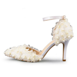 Wholesale Beautiful Dance Dresses - Beautiful Lace Flower Bridal Dress Shoes Wedding Party Pumps Pointed Toe Satin Dancing Shoes Buckle Strap White Pink Champagne