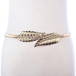 Envío gratis Cinturón 2017 Mujeres Diseño de la Hoja Cinturón de Cadena de  Metal Deja Cummerbund Cintura Elástica Vestido Cinturones Correa de Plata  ... 877e9623e491