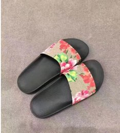 Wholesale Flat Leather Sandals For Women - Fashion slide sandals slippers for men and women WITH BOX 2017 BEST QUALITY Designer flower printed beach flip flops slippers EURO36-44