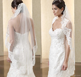 Wholesale Embellished Veil - Hot Sell Bridal Veils 2017 from Eiffel bride with Embellished Lace Applique Short White Ivory Color Tulle Wedding Veils so29