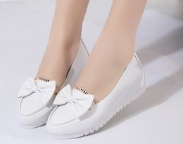 Wholesale Summer Candy Colors Genuine Leather Women Casual Shoes Fashion Breathable Slip on Peas Massage Flat Shoes