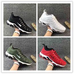 Wholesale Max Tn Sports Shoes - 2017 New Maxes TN Plus Shoe Mens Cheap High Quality Running Shoes Men Sports Shoes Huge Discount On Sale Running Shoes Eur 39-46