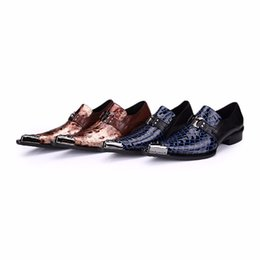 Wholesale fall wedding tips - New Snakeskin Genuine Leather Handmade Fashion British Business Suits Men's Shoes Gold Tip Toe Mens Christmas Party Dress Shoe