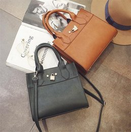 Wholesale England Style Women - New style Women Handbags England Style Genuine Leather Zipper shoulder bag Handbags for Ladies with Lock 3Colors Fshion Brand Luxury Style