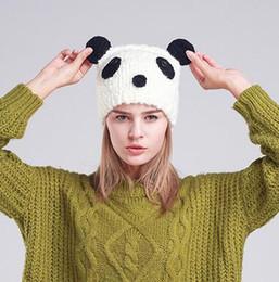 2020 nuove berretti animali carini Cappelli lavorati a maglia del panda unisex sveglio di nuovo arrivo cappelli fatti a mano di modellazione animale del cranio Berretto bianco nero della lana Trasporto libero sconti nuove berretti animali carini