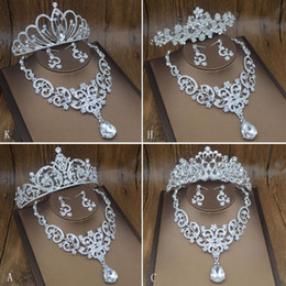 Wholesale More American - More Style Tiaras Jewelry Set Tiaras Crown Earrings Necklace Bridal Jewelry Shinny Pearl Accessories 2017 July Style