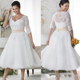 Wholesale Vintage Button Brooch - 2017 NEW Plus Size Wedding Dresses Short Half Sleeves Wedding Gowns White Lace Covered Button Beach Dress Tea Length A Line 471