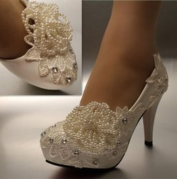 Wholesale Ivory Crystal Wedding Shoes - New Fashion white ivory pearl lace crystal Wedding shoes Bridal heels pumps