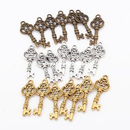 Wholesale Metal For Jewerly - 3 Color Small Key Pendant Charms DIY Vintage Metal Handmade Keys Pendant Charms for Jewerly Making 80pcs lot 9*26mm 6478