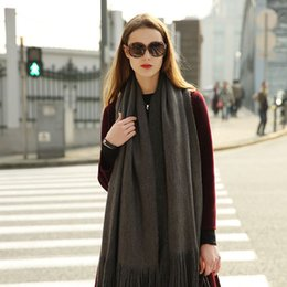 Wholesale Warmest Blanket Luxury - 2017 High quality Add thick blanket scarf luxury brand winter Warm cashmere Beautiful tassels scarves Woman HE-21