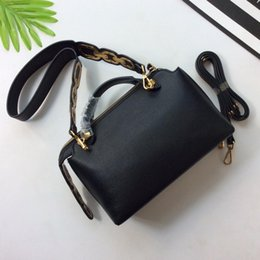 Wholesale Ladies Bags Models - luxury Women Totes Cross Body Bags high quality brands fashion Boston bags Shoulder bag lady handbags model 172103757