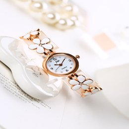 Wholesale Small Flower Hook - New Brand Women's Wristwatches Flower Quartz Cheap Watches Student Women's Gold And Silver Small Watches For Ladies Wristwatch