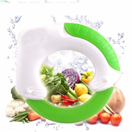 Wholesale circular cutters - Circular knife Round Shape Wheel Rolling Kitchen Tool With Stainless Steel Blade Vegetable Meat Cake Pizza Cutter Creative wn073