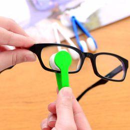2019 limpiadores de esponja Práctico Nuevas ideas anteojos manejar cepillo gafas de sol limpiador uso en el hogar gafas limpiar brusher cepillo de limpieza conveniente
