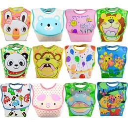 2020 borsette per bambini Commercio all'ingrosso di alta qualità bavaglini impermeabili in PVC Bavaglini in PVC impermeabile bambino Pinny per 9 ~ 36 mesi Baby 2pcs WZ18a sconti borsette per bambini