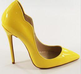 Носок обуви пик онлайн-2017 real pic женщины лакированная кожа насосы тонкий каблук острым носом высокие каблуки сплошной цвет платье насосы партия обуви вырезать насосы