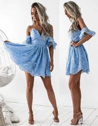I bicchierini sexy del merletto delle nuove ragazze online-2018 New Blue V-collo corto abiti da cocktail a-line pizzo maniche corte mini dolce ritorno a casa abiti ragazze abiti da festa ba6998