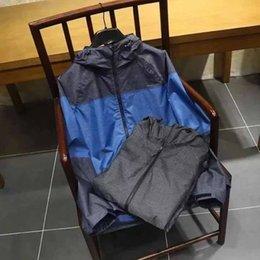 Wholesale Outdoor Origins - 3IN1 Mens windbreaker north jacket Outdoor DR-T Waterproof Windproof Sports college sportswear hoody coats Origin Indonesia faceGift socks