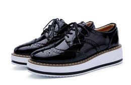 Wholesale Patent Brogue Shoes - Hot Sale Stars Womens Flats Round Toe Patent Leather Platform Shoes Oxford Lace up Derby Shoes Size 35-40 Brogue Shoes
