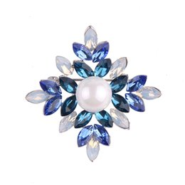 Wholesale large pearl flower brooch - High Quality Crystal Rhinestoness Brooches for Women Large Pearl Flower Brooch Pins as Chirstams Gift Scarf Buckle Jewelry
