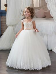 vestidos de casamento lilás de prata Desconto 2017 nova primeira comunhão vestidos para meninas champagne lace up sem mangas bola apliques de flores da menina vestidos para casamentos hot