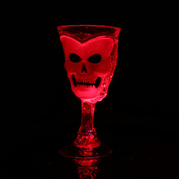 Wholesale Led Light Beer Mugs - 3D Skull Cup Party Decoration Beer Red Wine Cup with Flash Light Halloween LED Mugs Wholesale
