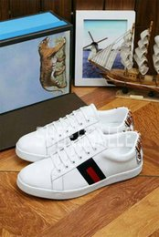 Wholesale Classic Details - HOT Selling 2017 Luxury brands The classic low-top white leather sneaker with Web detail mens outdoor Canvas casual shoes With box