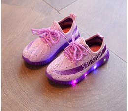 Wholesale flash boots - New Fashion Child Spring Casual Shoes Flash LED Light Up Sneakers Cocount Luminous Glowing Boots Toddlers Boys Girls Sport Shoes