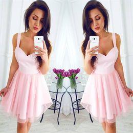 Vestido curto de espaguete rosa e espaguete on-line-2018 rosa curto barato vestidos de festa espaguete correias a linha na altura do joelho vestidos de coquetel mini vestido de baile para a formatura desgaste da dama de honra