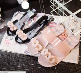 Wholesale Jelly Flower Heels - Summer blasting zigzag strip slippers female flowers crystal plastic flat with camellia jelly shoes beach sandals
