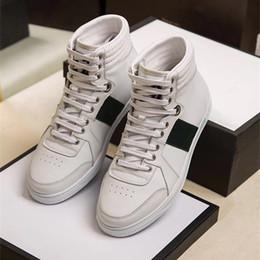La nouvelle ceinture en cuir de la marque de luxe est une chaussure de sport  confortable et respirante avec une taille de 38 ~ 45 ceinture de chaussures  ... 1f680393f24