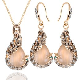 Wholesale Peacock Lovers - Fashion Exquisite Retro Women Cat Eye Stone Drop Shaped Necklace Earring Peacock Necklace Sets Vintage Jewelry Gift