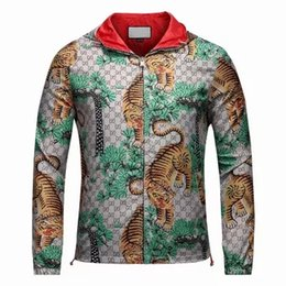 Wholesale Men Luxury Jacket - 2017 Italy Luxury Fashion Brand print jackets Long Sleeve hooded jacket Men's Casual windbreaker jackets Tiger printing men clothing M - 3XL