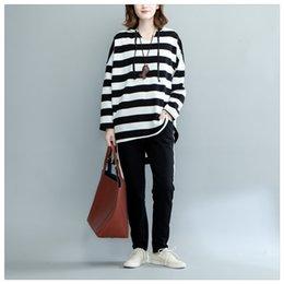 Wholesale Woman Tshirts Sweatshirts - Wholesale - women's Sweatshirts and Hoodies tshirts Black and white striped T-shirt The large - yard dress is irregular leisure long coat