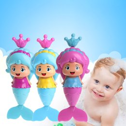 Wholesale Winding Up Toys - Wholesale- 2017 Baby Cute Mermaid Clockwork Dabbling Bath Toy Classic Swimming Water Wind Up Toy MAR2_30