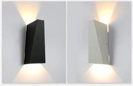 Canada 10W LED Moderne Lumière Up Down Lampe De Mur Place Spot Spot Applique Éclairage Maison Intérieur Mur Lumières Extérieur Lampes Murales Imperméables Noir / Blanc Offre